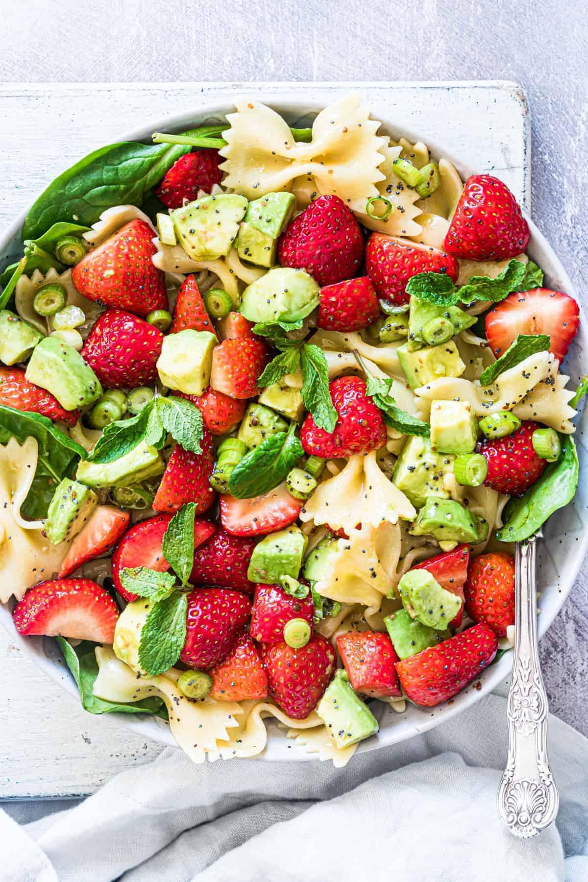 strawberry avocado pasta salad 12 of 21 1 • Kim Schob