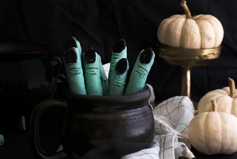 Witch Finger Pretzels | kimschob.com