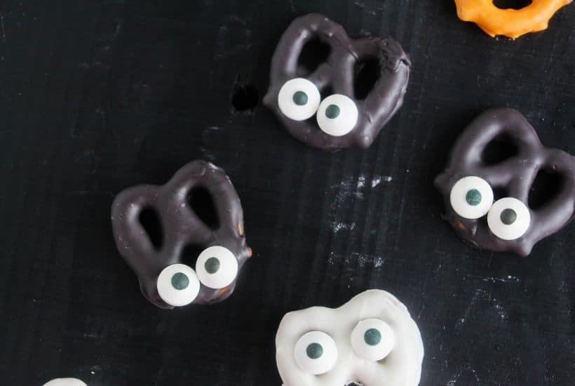 Halloween Pretzels | kimschob.com