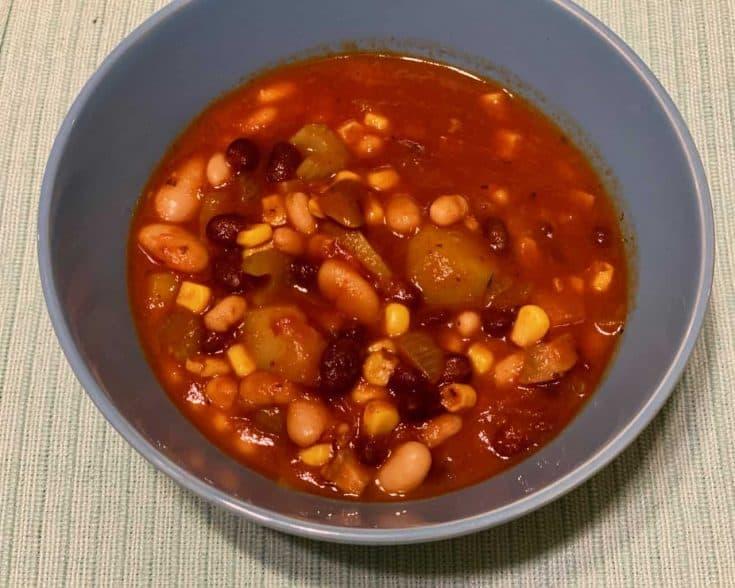 easy vegan chili • Kim Schob