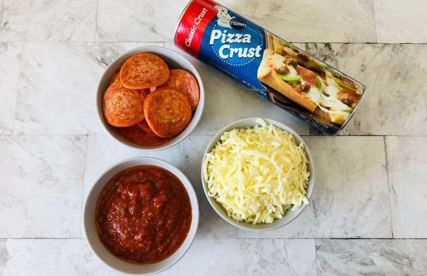 Pizza Rolls | kimschob.com
