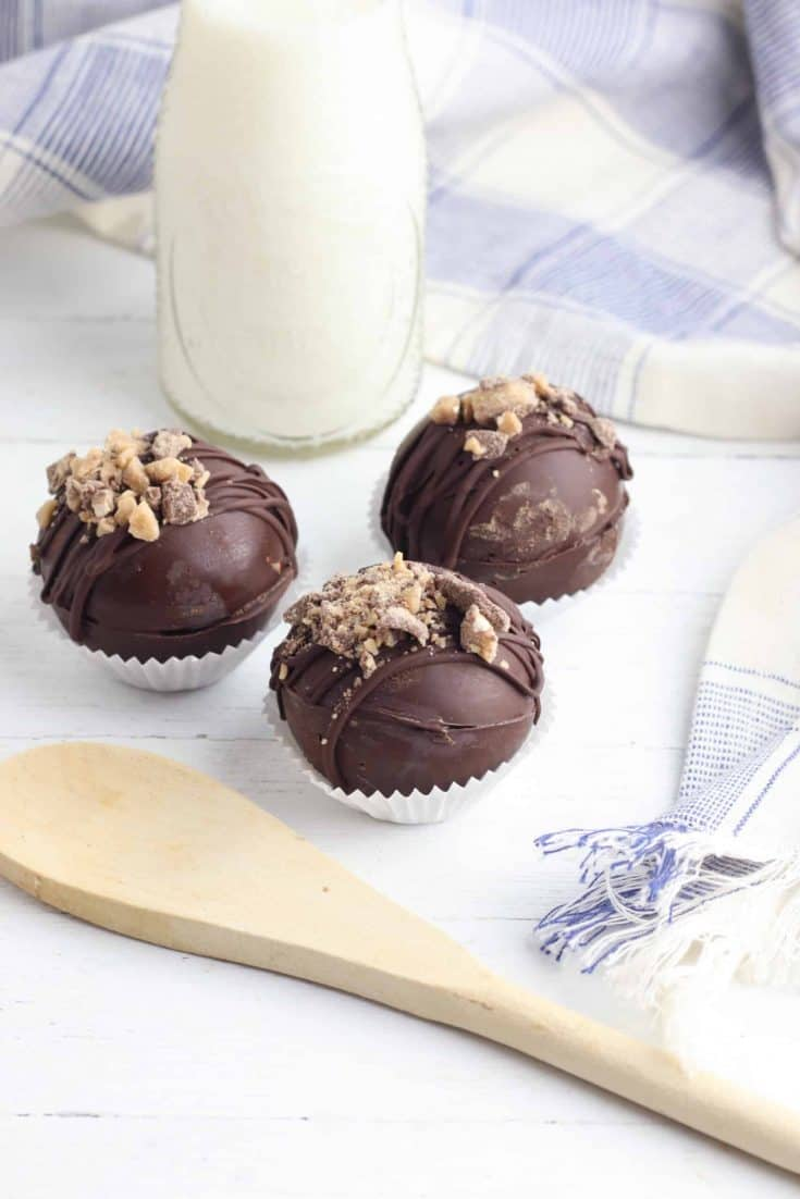 Toffee Hot Chocolate Bombs 1 scaled 1 • Kim Schob